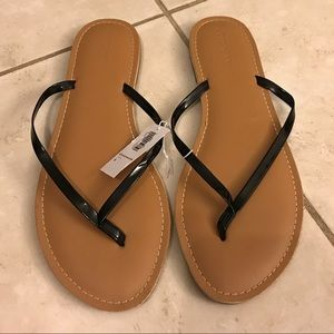 Old Navy sandals. NWT.